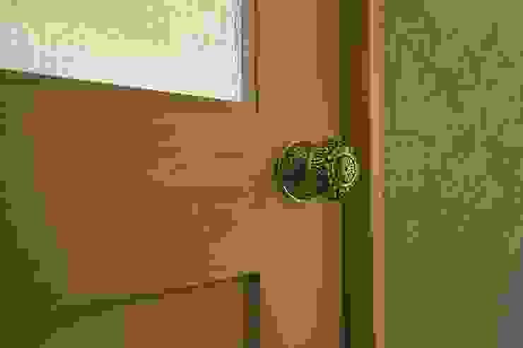 ドアノブ | 工事後 オリジナルスタイルの 玄関&廊下&階段 の FRCHIS,WORKS オリジナル