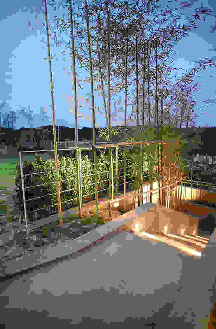 Modern garden by 엔디하임 - ndhaim Modern