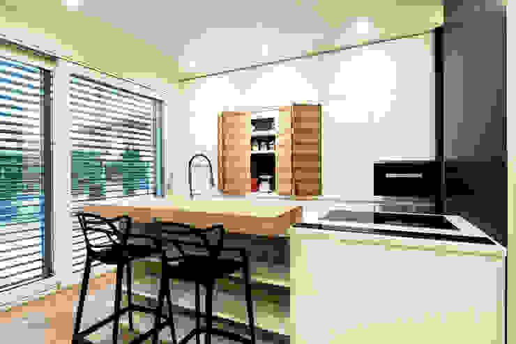 PASSIVE HOUSE Cucina moderna di Tommaso Giunchi Architect Moderno