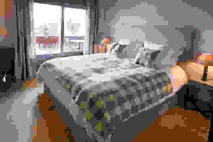 Dormitorios de estilo rústico de DeerHome Rústico