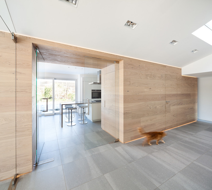 Modern Corridor, Hallway and Staircase by ZHAC / Zweering Helmus Architektur+Consulting Modern Wood Wood effect