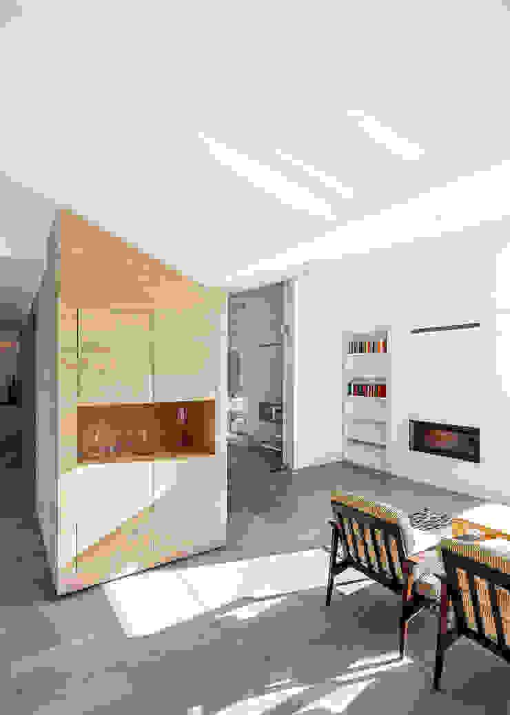Wohnbereich Moderne Wohnzimmer von ZHAC / Zweering Helmus Architektur+Consulting Modern Holz Holznachbildung