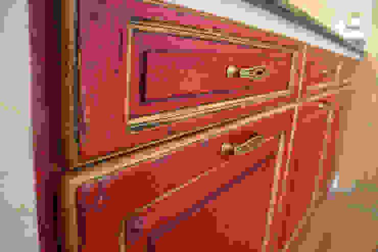 Villa Medici - Landhauskuechen aus Aschheim Country style kitchen Solid Wood Red