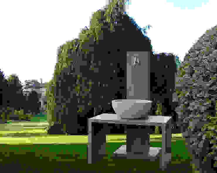 oggi-beton Modern style gardens Concrete