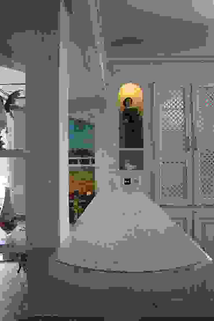 Cocinas de estilo rural de Villa Medici - Landhauskuechen aus Aschheim Rural Azulejos