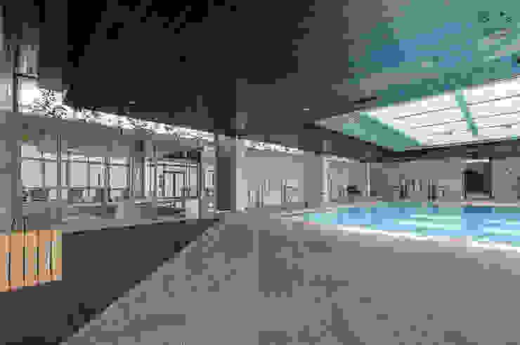 Hotel Praia Golf Hotéis modernos por ARKHY PHOTO Moderno