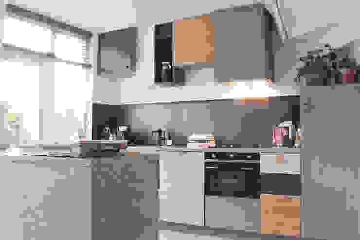Mixwood keuken in Groningen Moderne keukens van Studio Martijn Westphal Modern Hout Hout
