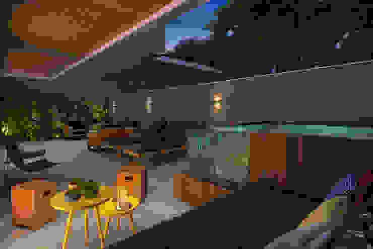 EDIFÍCIO CARAVELLE | Terraço Apartamento Garden Varandas, alpendres e terraços modernos por Tato Bittencourt Arquitetos Associados Moderno