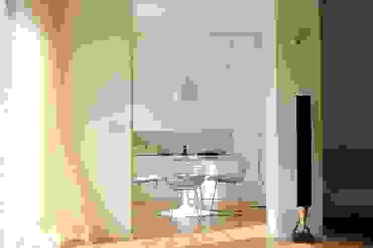 Realizzazioni Modern dining room by FALEGNAMERIA VALSECCHI Modern