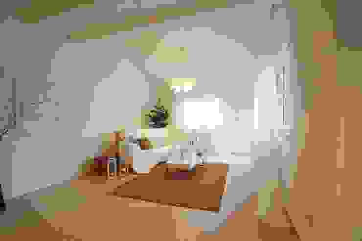Realizzazioni Modern living room by homeSbattistella Modern