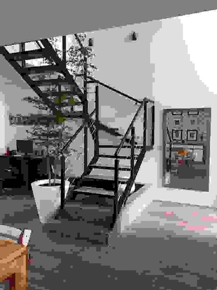 Modern corridor, hallway & stairs by Arki3d Modern