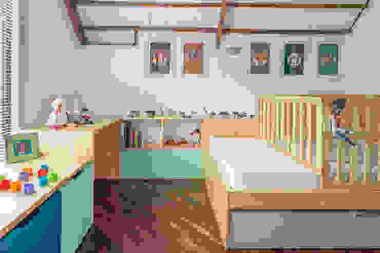 modern  by nomo mobiliario, Modern Wood Wood effect