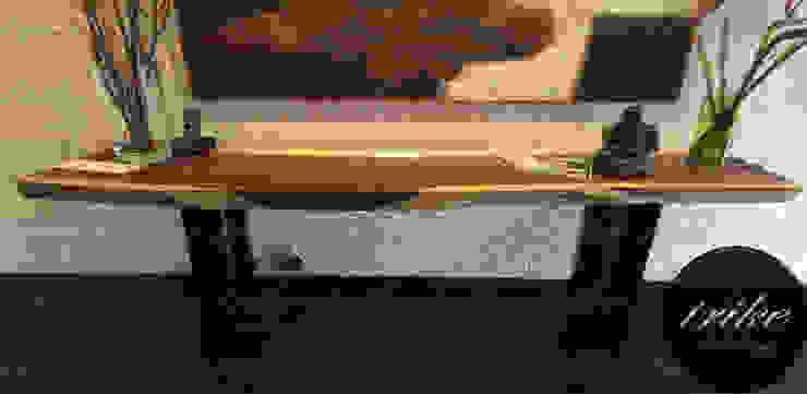 Crendenza de Madera:  de estilo colonial por Trike Interiorismo, Colonial Madera Acabado en madera