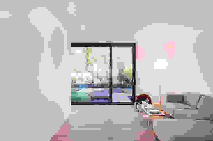 Helwig Haus und Raum Planungs GmbH Minimalist living room