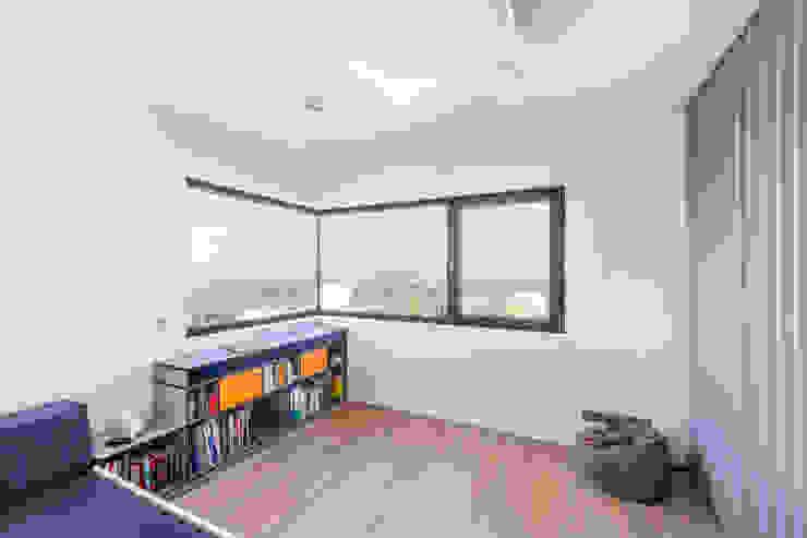 Helwig Haus und Raum Planungs GmbH Minimalist study/office