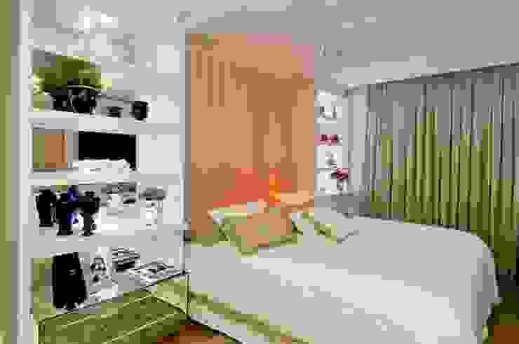Спальня в стиле модерн от SoHo arquitetura Модерн