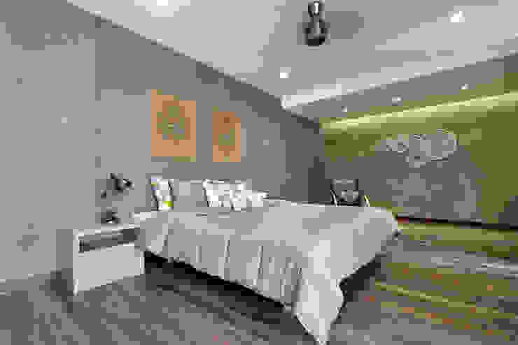 Nikhil patel residence Modern style bedroom by Dipen Gada & Associates Modern