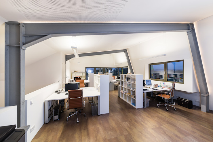 Study/office by Helwig Haus und Raum Planungs GmbH