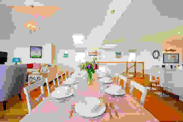 Tregoose, Polzeath Modern dining room by The Bazeley Partnership Modern
