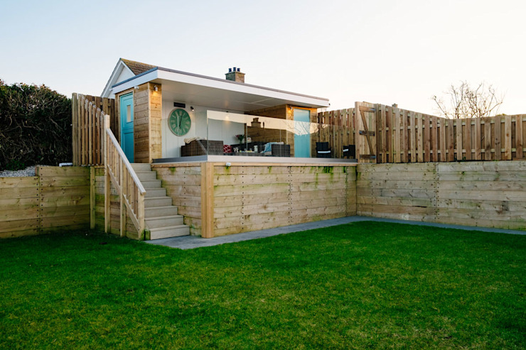 Tregoose, Polzeath Modern balcony, veranda & terrace by The Bazeley Partnership Modern