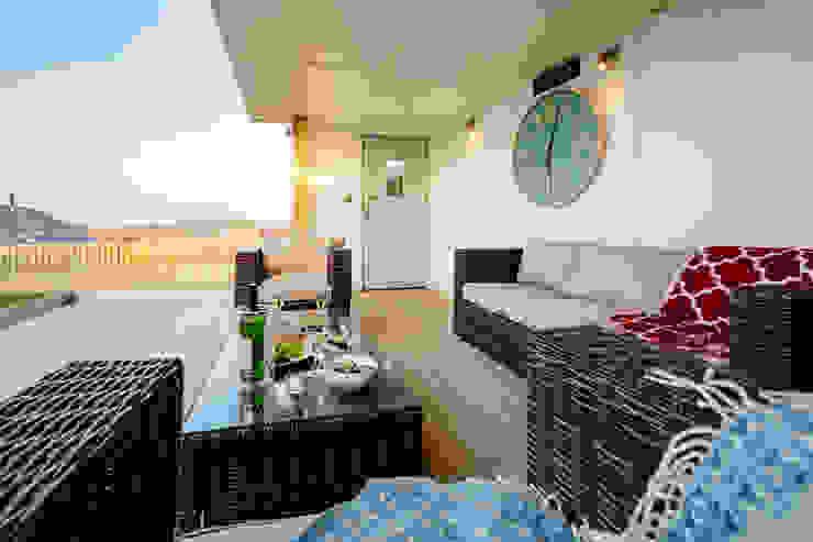 Tregoose, Polzeath Modern balcony, veranda & terrace by The Bazeley Partnership Modern