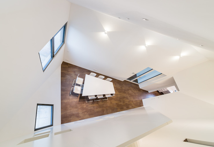 Dachaufstockung für ein Architekturbüro Moderne Ankleidezimmer von Helwig Haus und Raum Planungs GmbH Modern