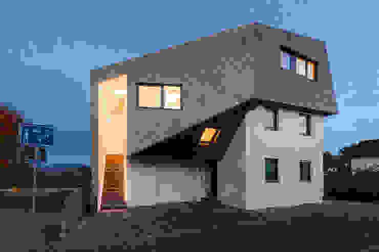Dachaufstockung für ein Architekturbüro Ausgefallene Häuser von Helwig Haus und Raum Planungs GmbH Ausgefallen