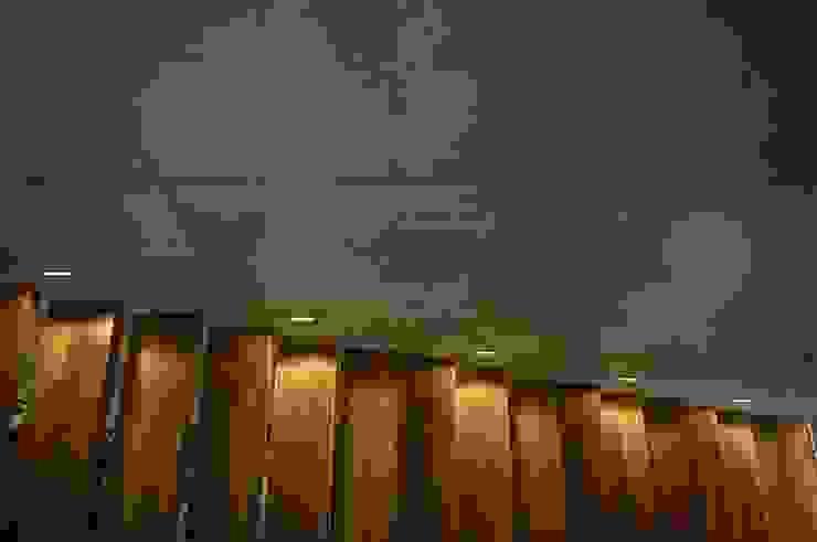 Héctor Gómez Arquitecto Pasillos, vestíbulos y escaleras modernos de Héctor Gómez Arquitecto Moderno