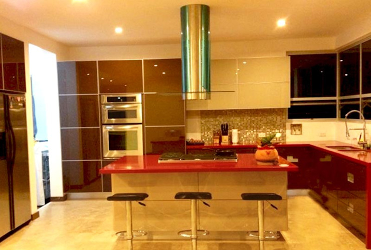 Modern kitchen by AV arquitectos Modern