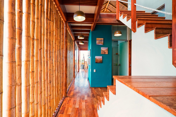 YUPANA Arquitectos Rustic style corridor, hallway & stairs Bamboo Turquoise