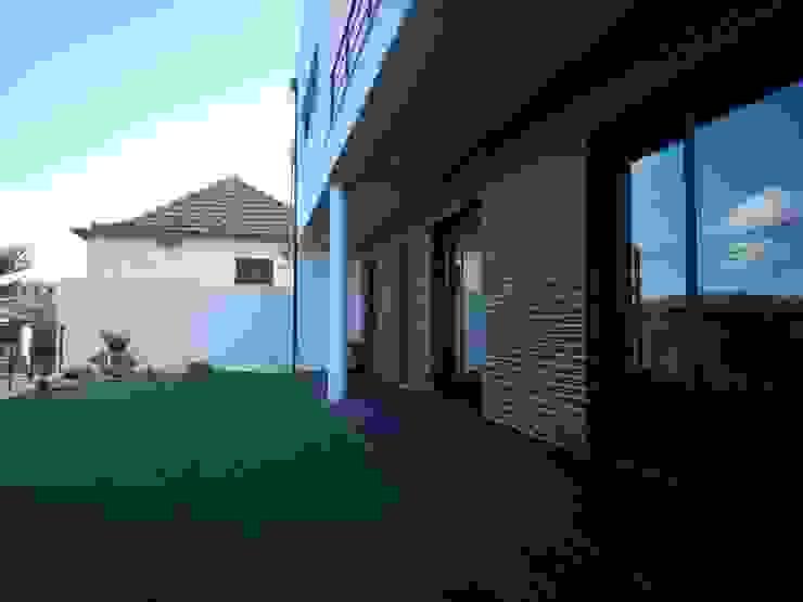 Casa em Coquêda por arqpar-Consultores, Arquitectura e Engenharia