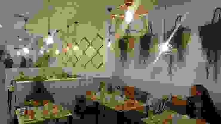 Bar TyD en Huercal de Almería Bares y clubs de estilo moderno de HM CARPINTEROS Moderno