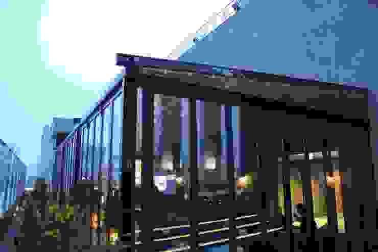 실링하우스 자동천장개폐형 스카이어닝시스템: 실링하우스 ( ceilinghouse)의 현대 ,모던