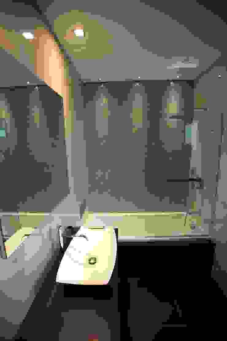 Casa de banho Casas de banho modernas por AlexandraMadeira.Ac - Arquitectura e Interiores Moderno