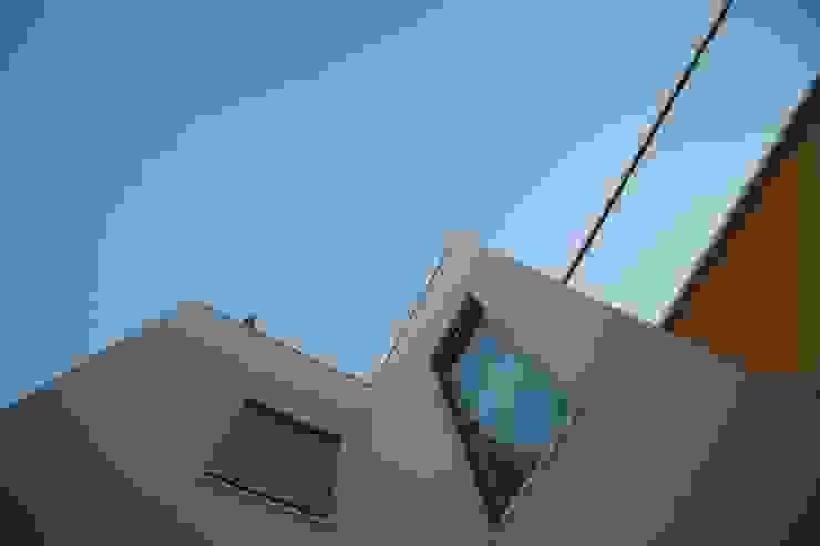 Vãos e guardas em vidro por AlexandraMadeira.Ac - Arquitectura e Interiores Moderno