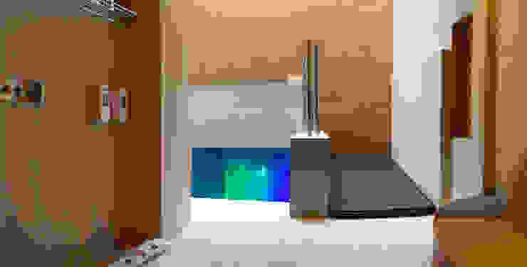 Hotel Centra 2 Pasillos, vestíbulos y escaleras modernos de DIN Interiorismo Moderno