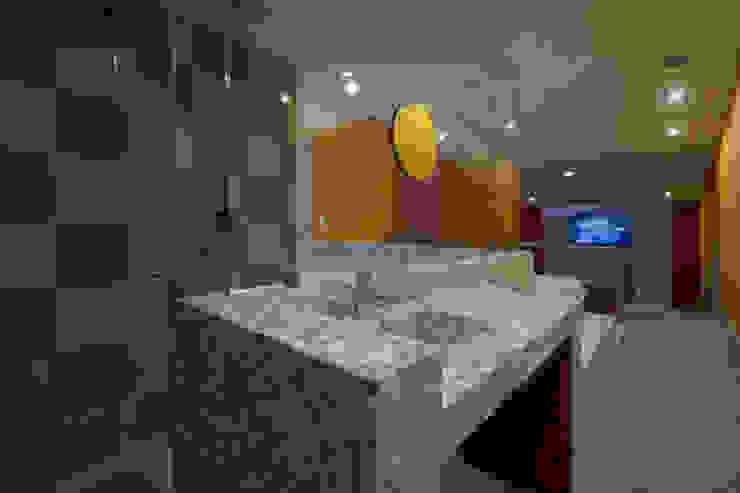 Hotel Montreal Baños modernos de DIN Interiorismo Moderno