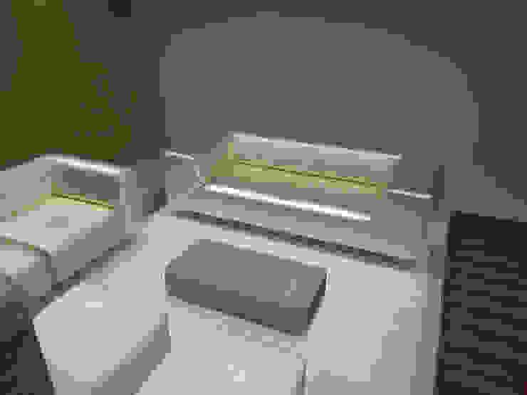 Casa Luju Salones modernos de DIN Interiorismo Moderno