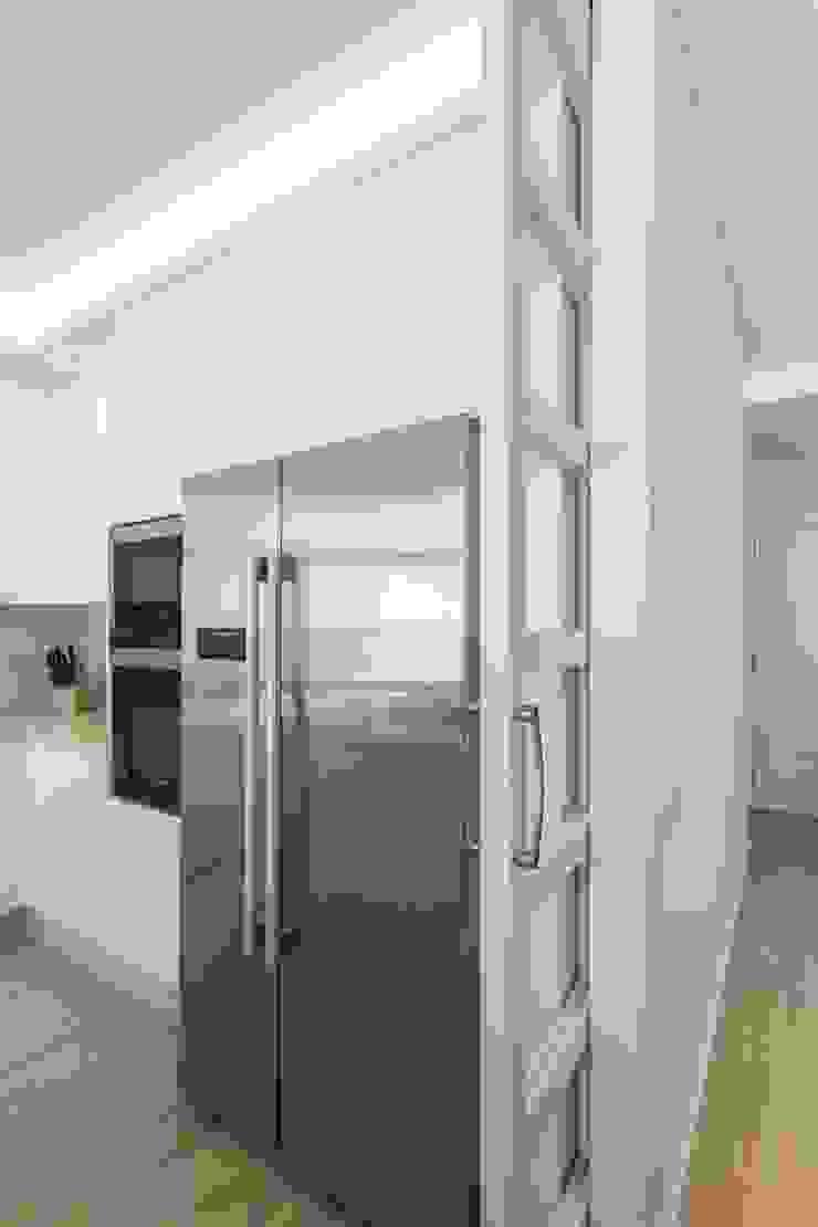 GESTION INTEGRAL DE PROYECTOS DEL NOROESTE S.L. Modern style kitchen