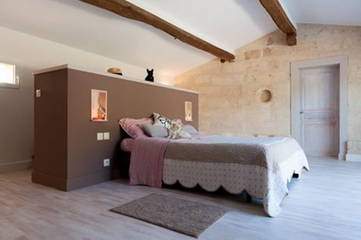 Rustic style bedroom by Agence boÔbo Rustic