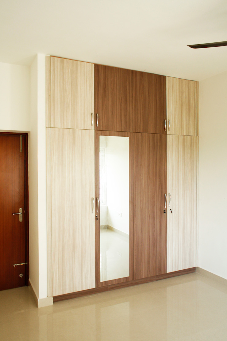 Bedroom 2 Ashpra interiors BedroomWardrobes & closets Multicolored