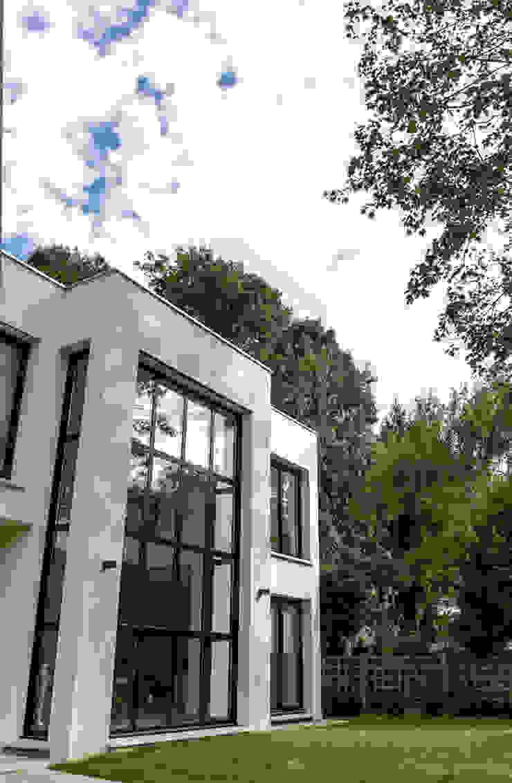 Daniel architectes Minimalist houses
