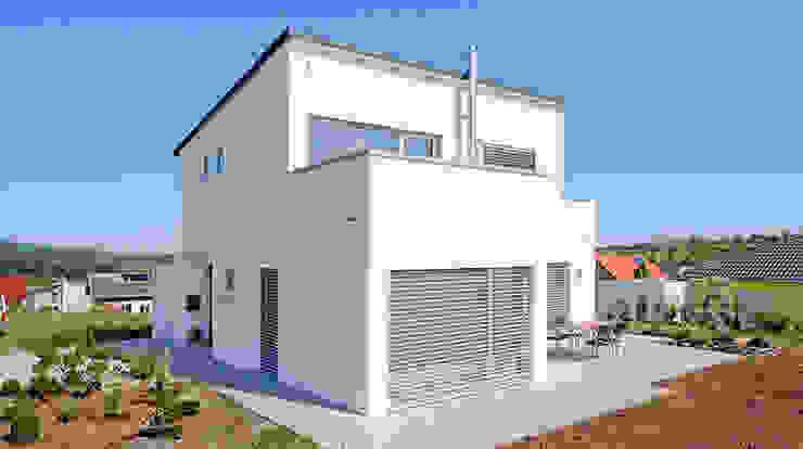 Einfamilienhaus im Bauhausstil:  Häuser von homify,Modern