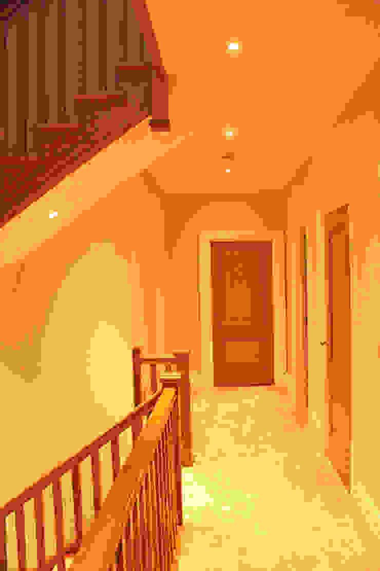 1st Floor hallway Flairlight Designs Ltd Couloir, entrée, escaliers modernes
