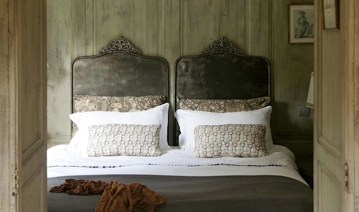 Rustic style bedroom by Les Rosees Rustic