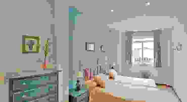 Modern Bedroom by VirtualDomum Modern