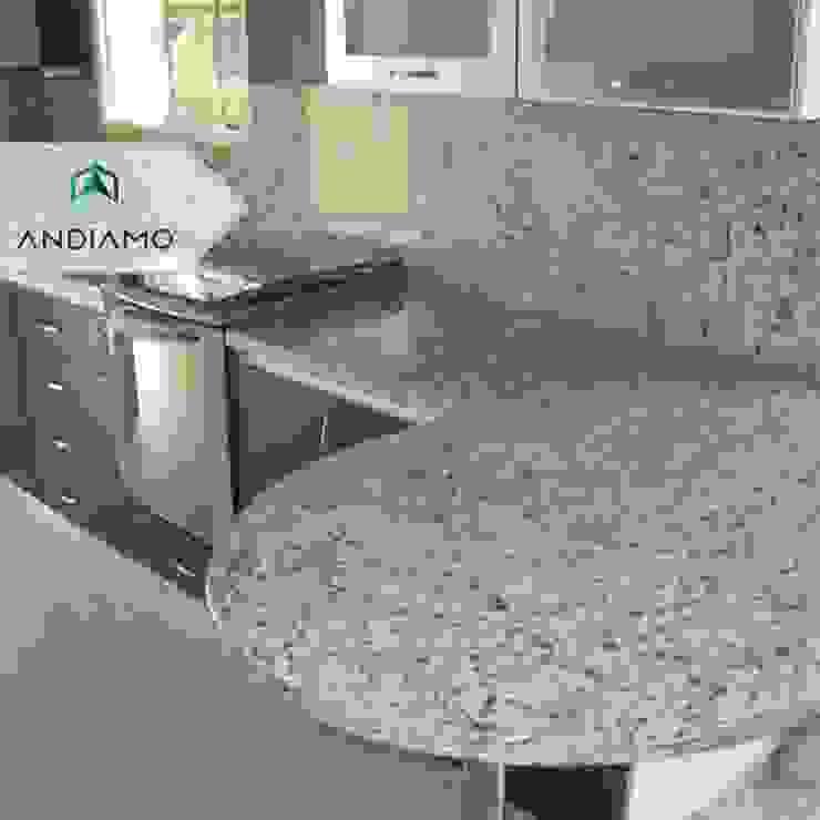 Modern Kitchen by ANDIAMO (INVERSORA L&R) Modern