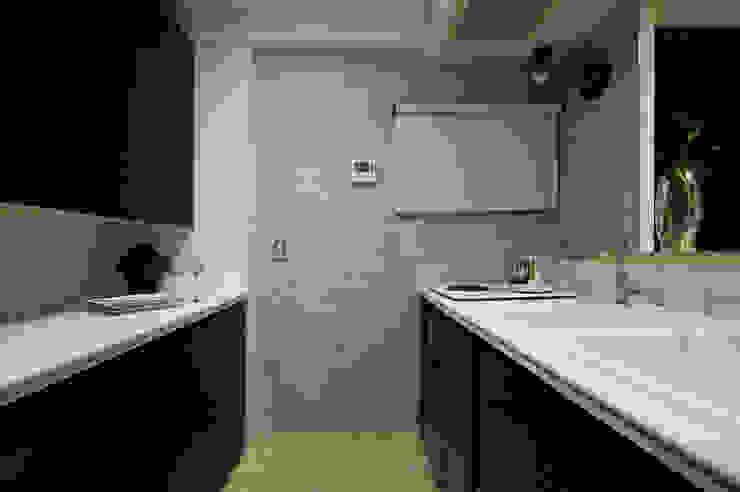 MACHIKO KOJIMA PRODUCE Modern kitchen