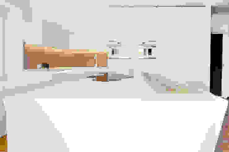 Realizzazioni Cozinhas modernas por FALEGNAMERIA GASPERI SNC Moderno