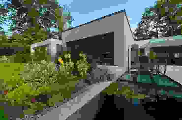 LES ARCHITECTES DU PAYSAGE Eclectic style garden